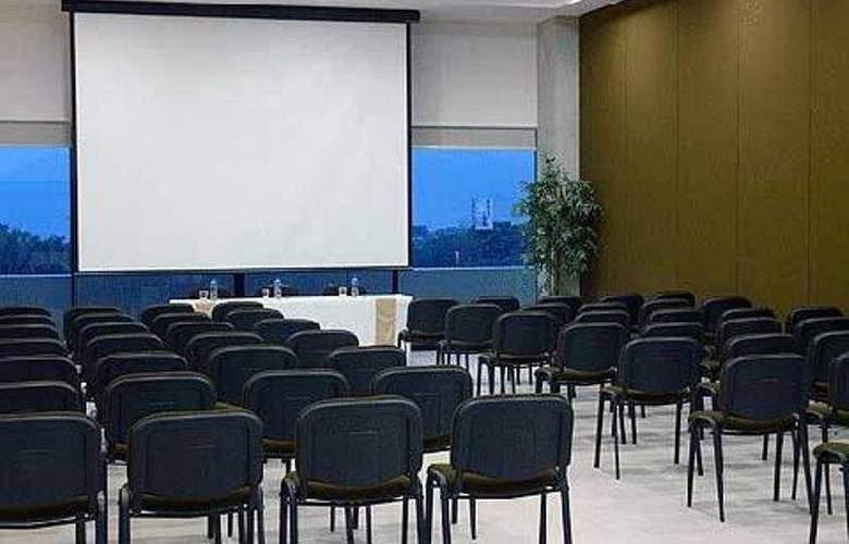 Comfort Inn Cordoba - Conference - 5