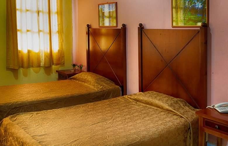 San Alejandro - Room - 6