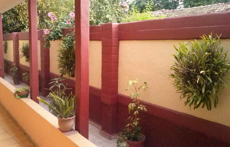 Hostal Casa Gómez - Terrace - 23