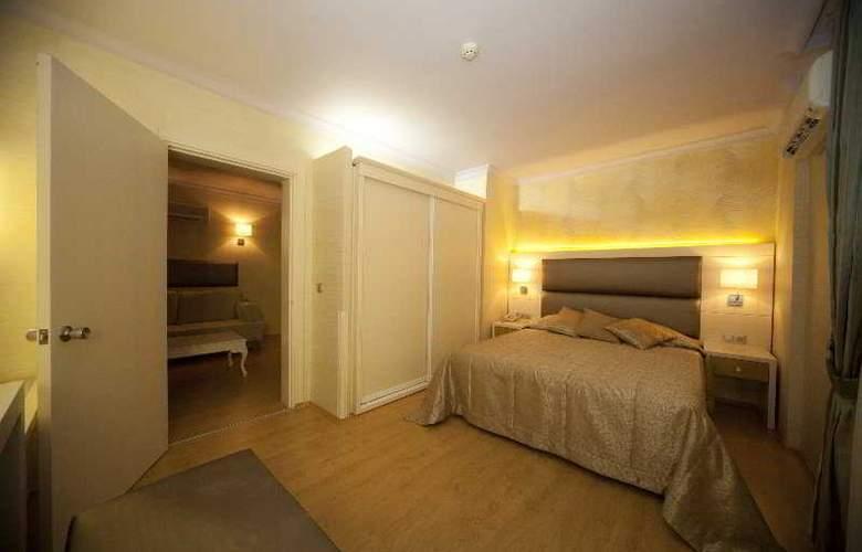 Grand Hotel Faros - Room - 4
