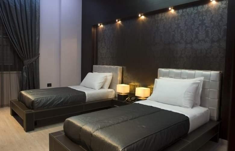 Monarc - Room - 4