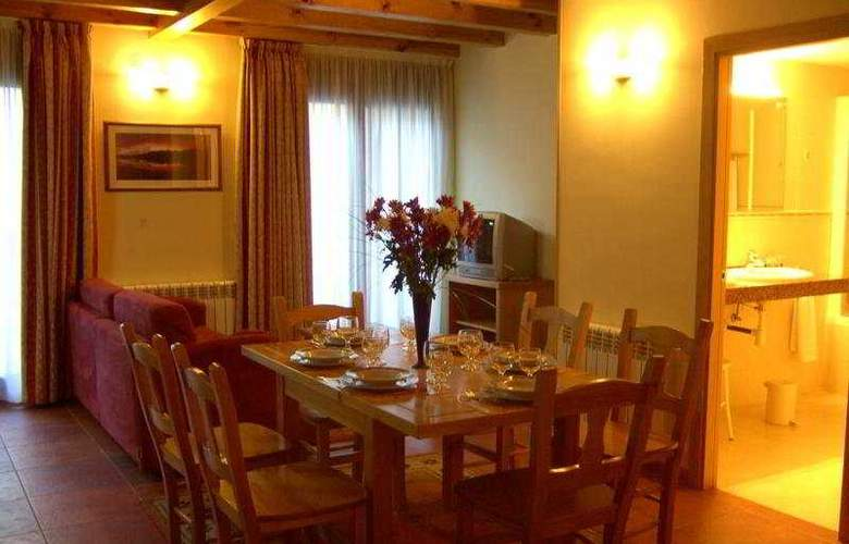 Apartamentos Sant Moritz - Room - 8