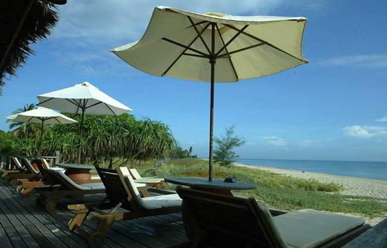 Aryani Resort, Terengganu - Beach - 7