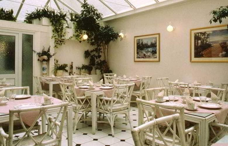 Four Seasons - Restaurant - 3