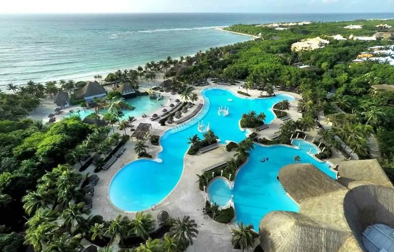 Grand Palladium Colonial Resort & Spa - Pool - 3