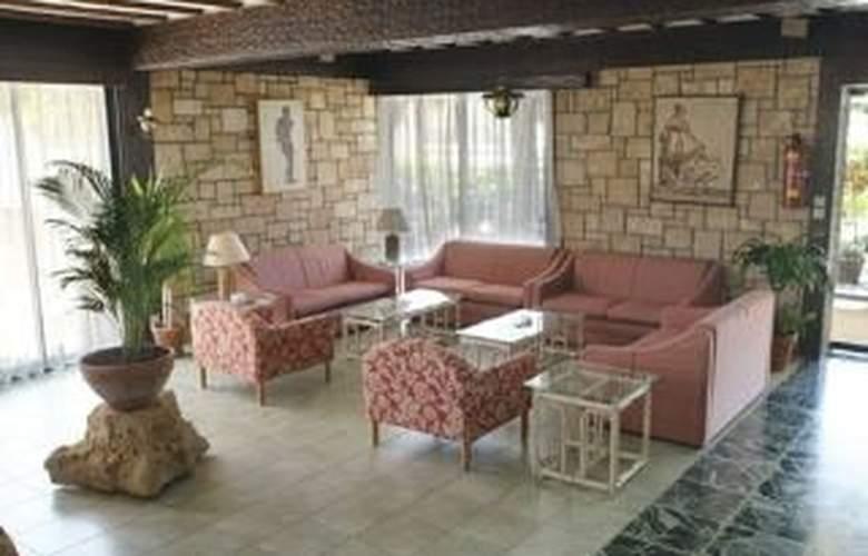 Dionysos Central Hotel - Room - 2