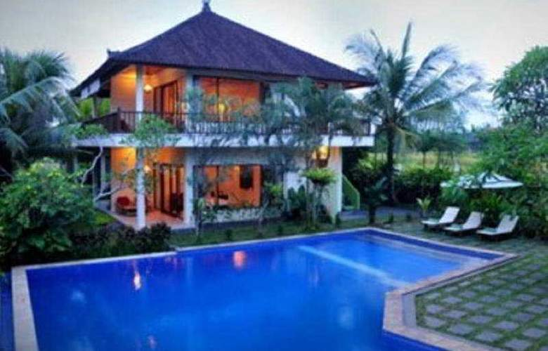 Putri Ayu Cottages - Pool - 5
