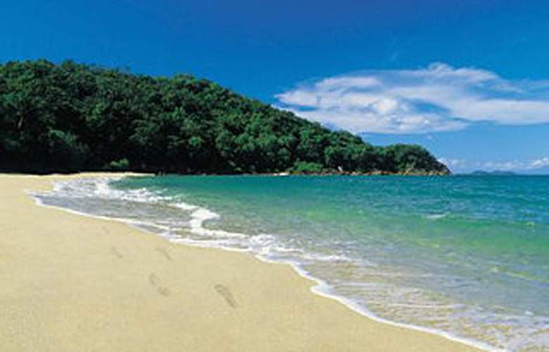Dunk Island Resort - Beach - 4