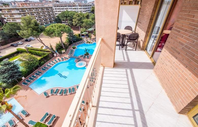 Golden Avenida Suites - Room - 10