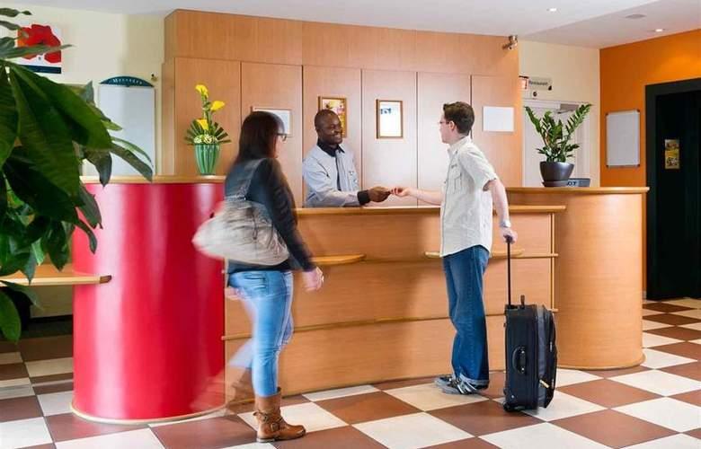 Ibis Charleroi Centre Gare - Hotel - 1