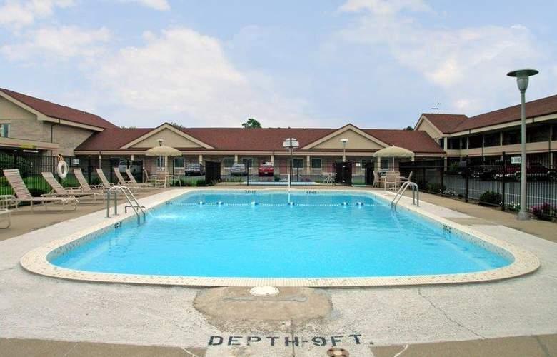 Best Western Paradise Inn - Pool - 40