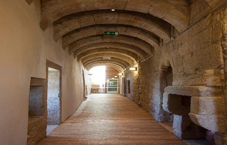 Parador Castillo de Monterrei - General - 13