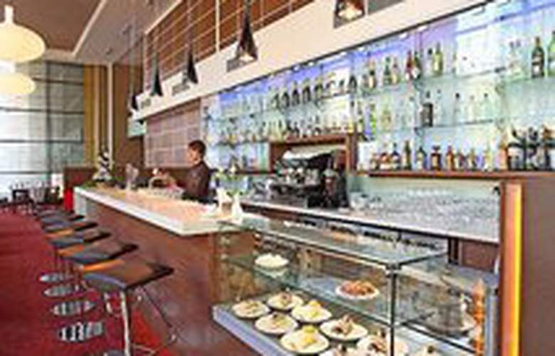 Park Inn Kaunas - Bar - 1
