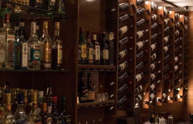 RH Rochester Calafate - Bar - 27