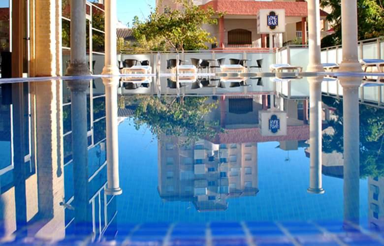 Biarritz - Hotel - 0