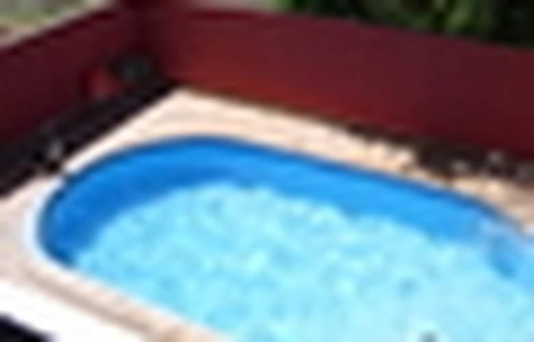 Flora Parc - Pool - 2