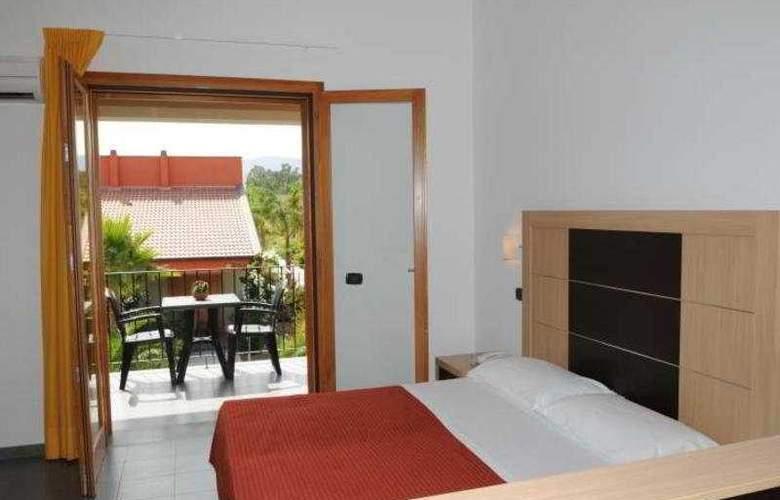 VOI Baia di Tindari Resort - Room - 3