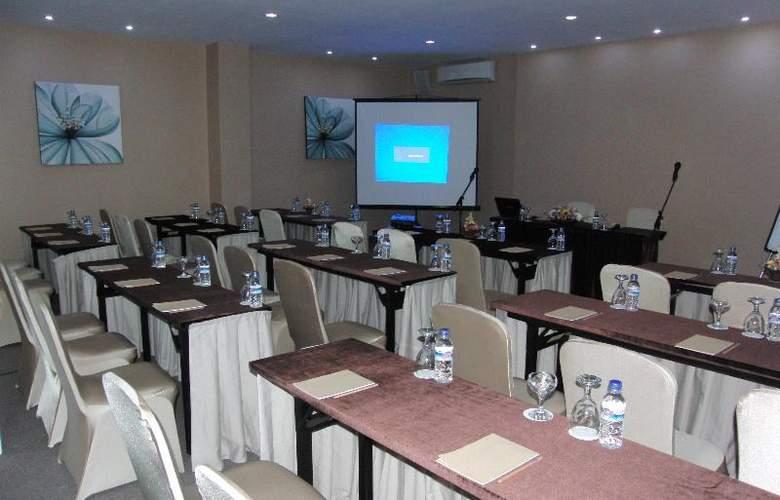 Umalas Residence - Conference - 35