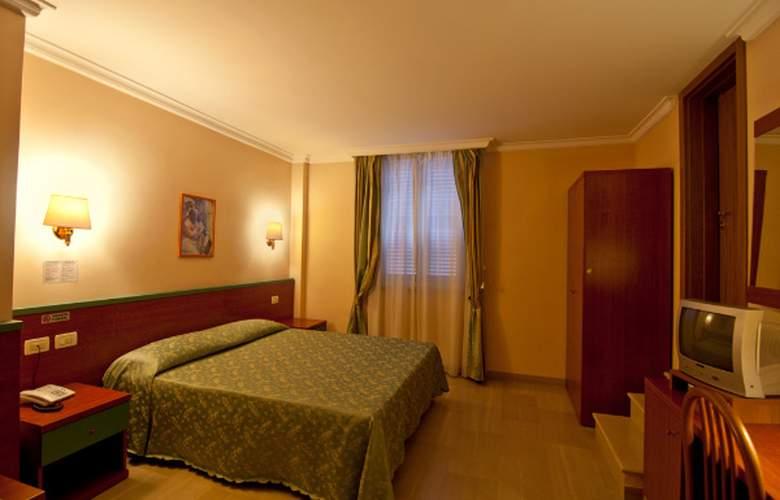 Center 1 & 2 - Room - 5