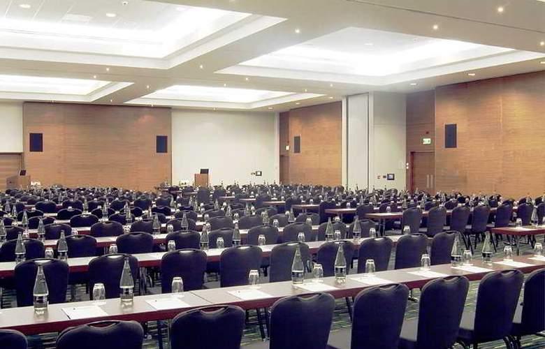 Park Inn by Radisson London Heathrow - Conference - 8