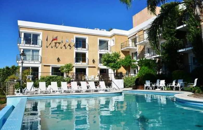 Radisson Colonia del Sacramento Hotel & Casino - Pool - 45