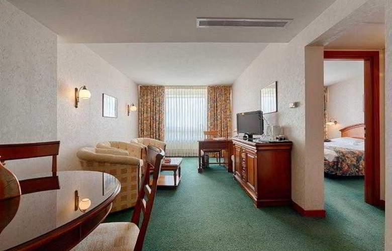 Ramada Parc - Room - 11