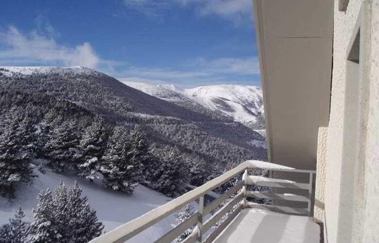 Sercotel Hotel & Spa La Collada - Terrace - 9