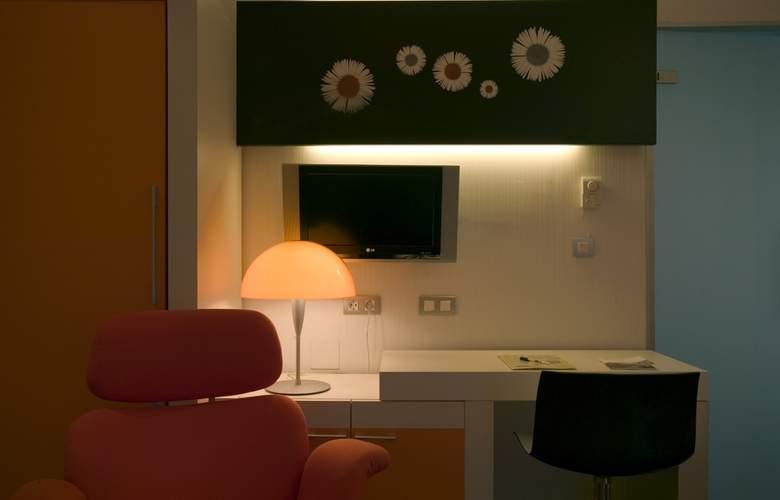 Petit Palace Boqueria Garden - Room - 15