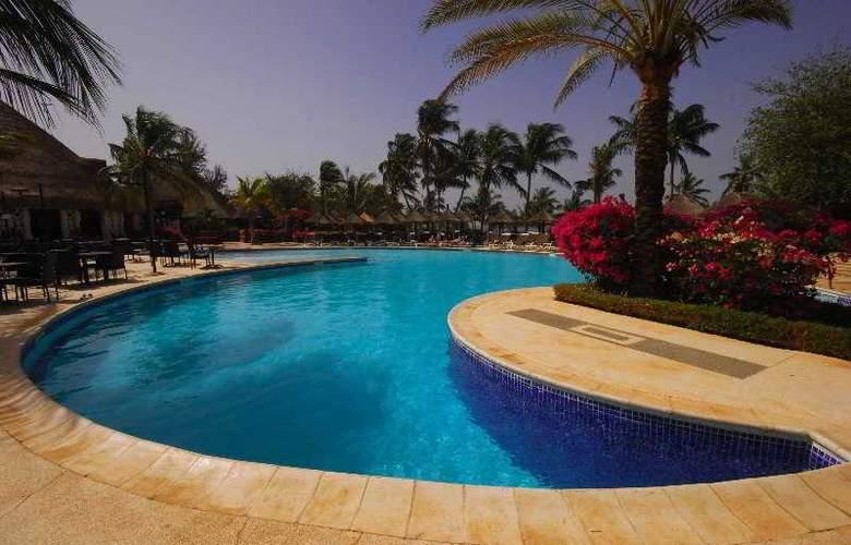 Royam Saly - Pool - 38