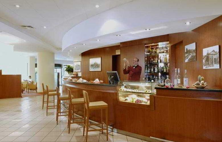 Holiday Inn Roma Aurelia - Bar - 4