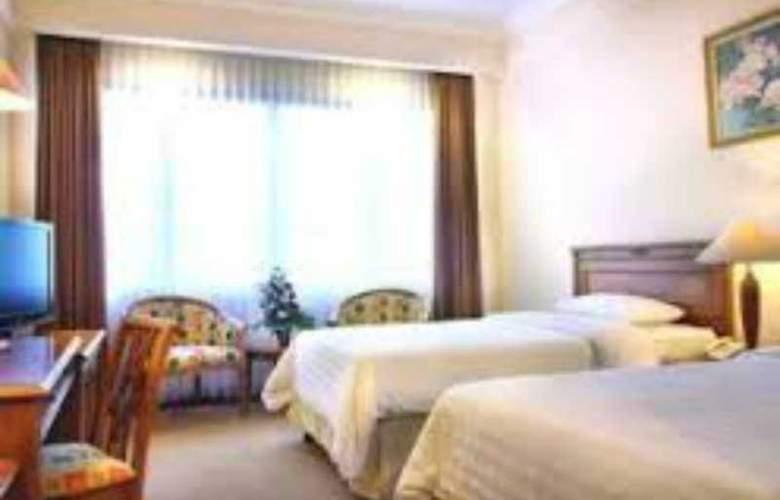 Inna Simpang Surabaya - Room - 7