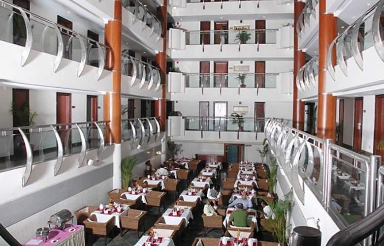 Citadel - Restaurant - 17