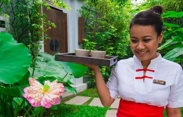 Bell Pool Villa Phuket - Hotel - 11