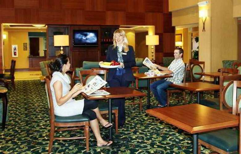 Hampton Inn & Suites Seal Beach - Hotel - 5