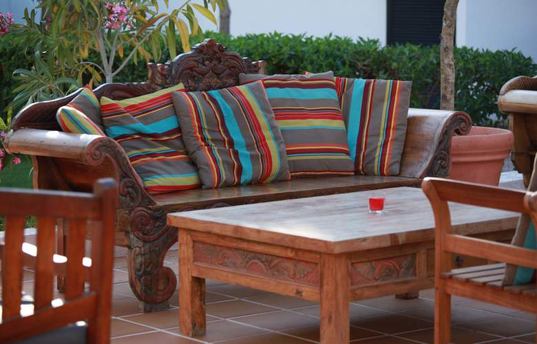 Club Bahamas Ibiza - Terrace - 16