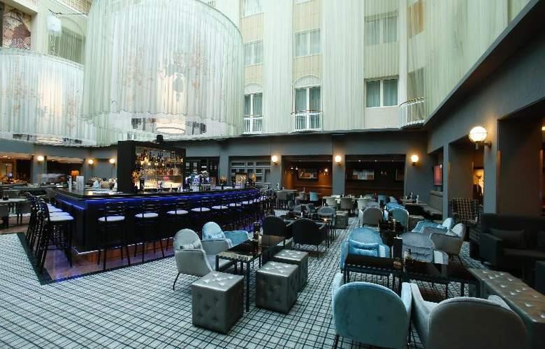 Radisson Blu Hotel Bremen - Bar - 12