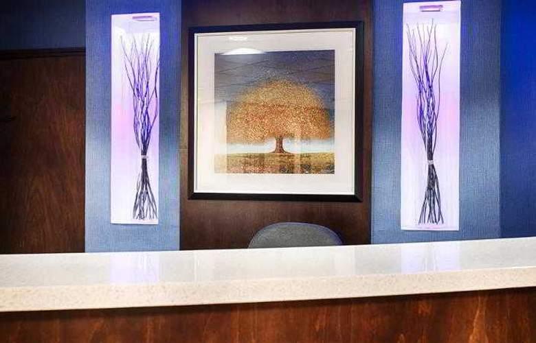 Berkshire Hills Inn & Suites - Hotel - 50