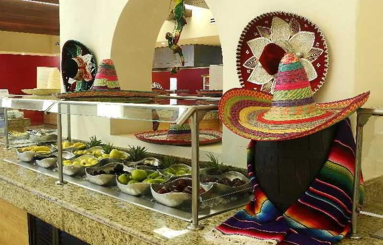 Golden Parnassus Resort & Spa All Inclusive - Restaurant - 23