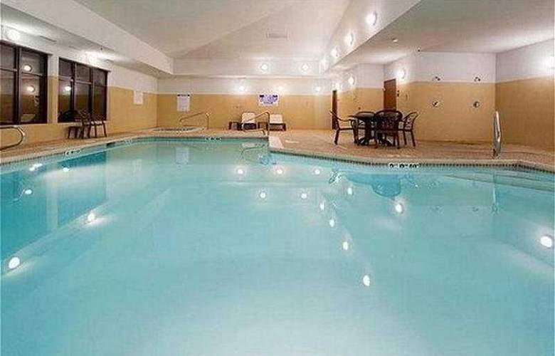Holiday Inn Express Airport East Salt Lake City - Pool - 8