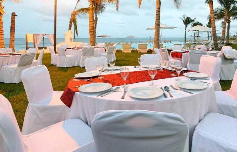 Crowne Plaza Resort Mazatlan - Restaurant - 49