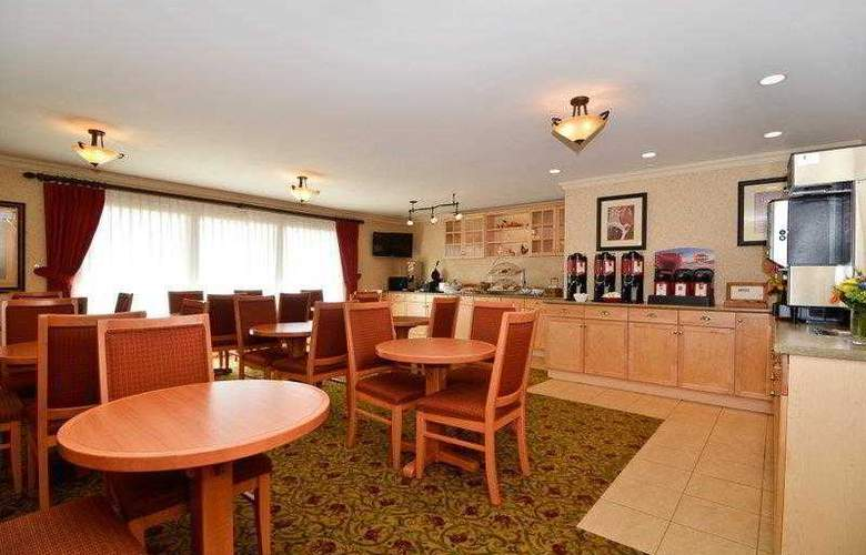 Best Western Langley Inn - Hotel - 1