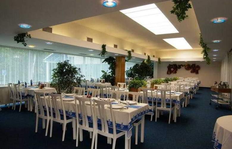 Flora - Restaurant - 7