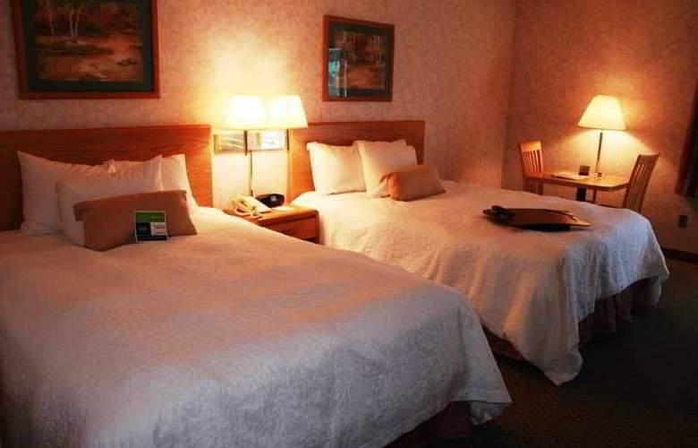 Hampton Inn Bakersfield-Central - Room - 15