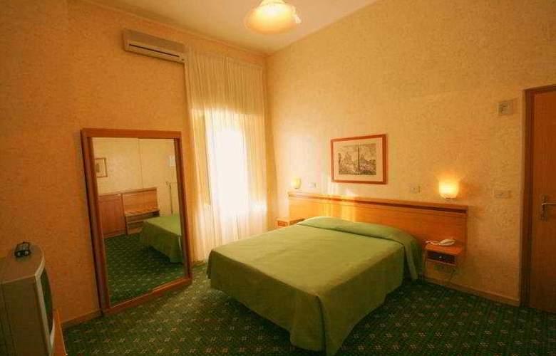 Embassy - Room - 4