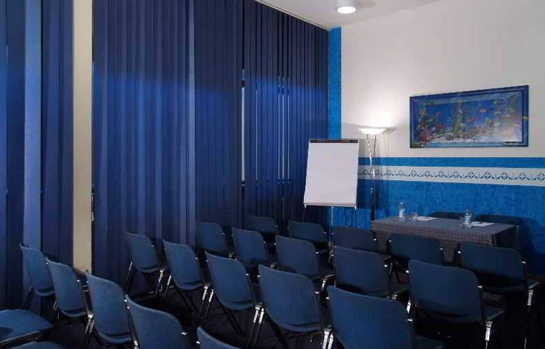 Meridiana - Conference - 1