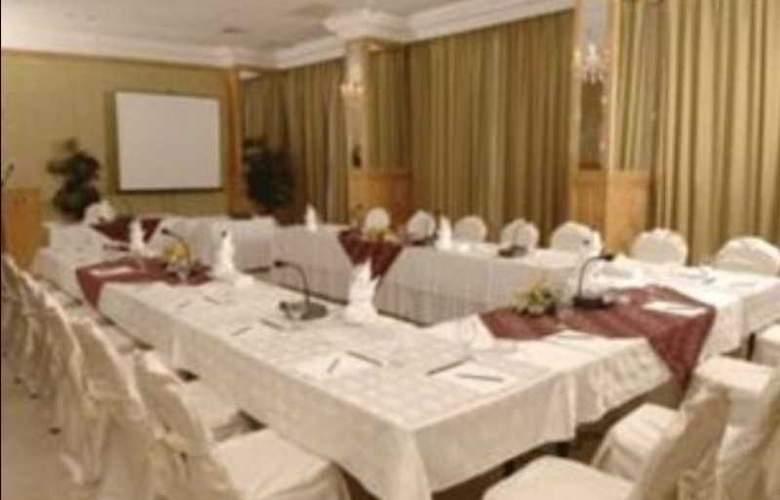 Ramada Kuwait - Conference - 10