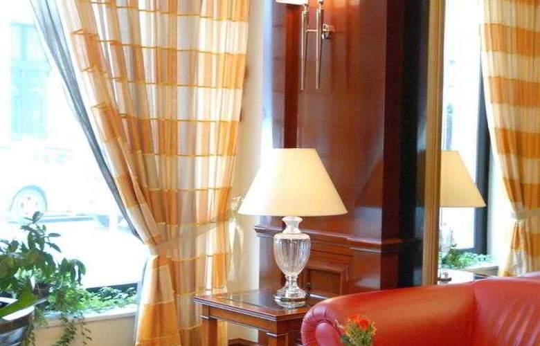 Best Western Premier Astoria - Hotel - 88