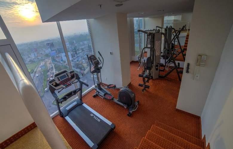 La Quinta Inn & Suites Puebla Palmas - Sport - 26