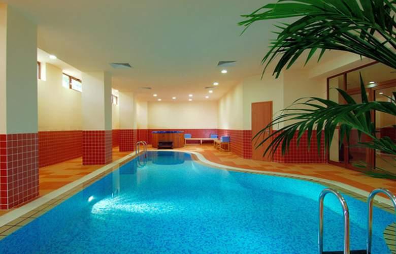 Sol Nessebar Mare All Inclusive - Pool - 5