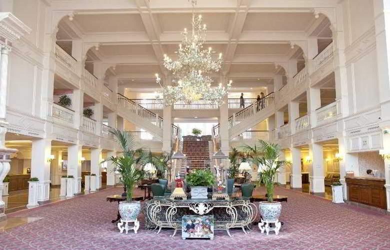 Disneyland Hotel - General - 10